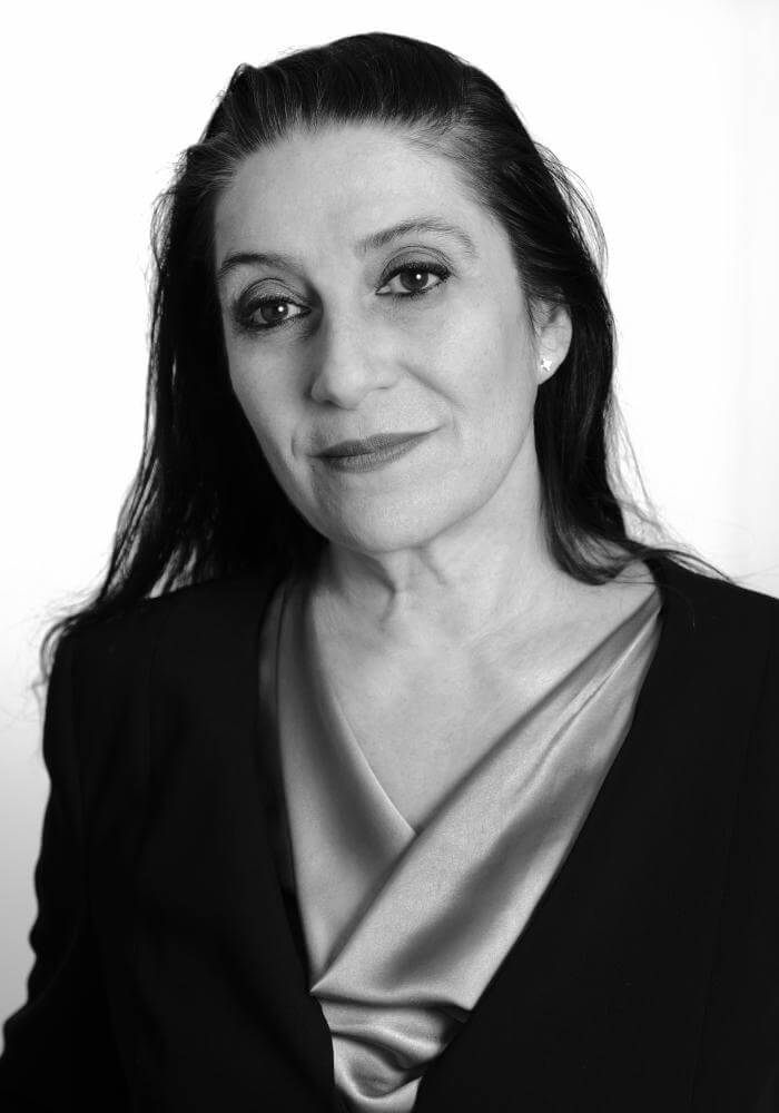 ritratto Lusia Maresu istruttore di Parsifal Yoga Academy  Verona