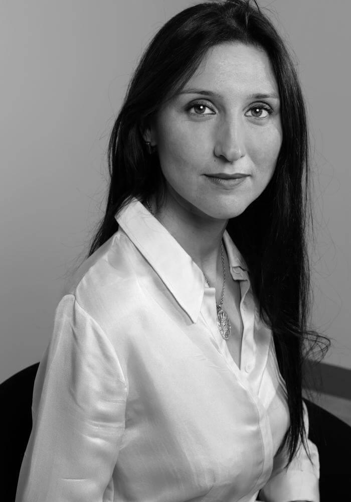 ritratto di Simona Quieto istruttore di Parsifal Yoga Academy  Milano